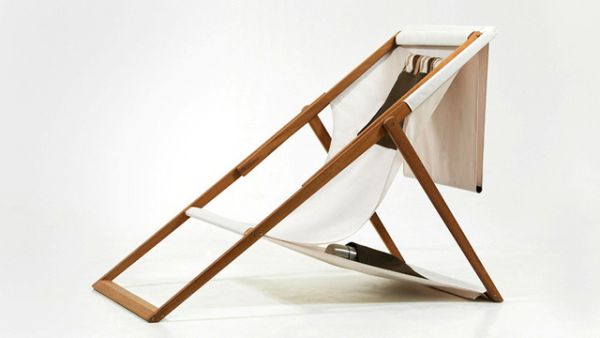 Delightful Classic Wooden Deck Chair