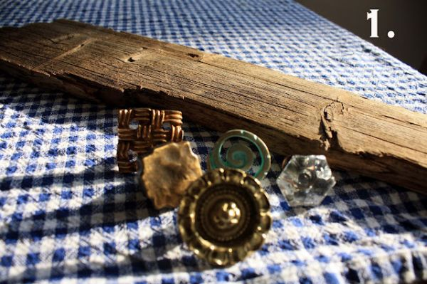 diy-vintage-necklace-holder