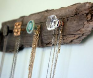 Cheap And Practical Necklace Holders You Can Make Yourself