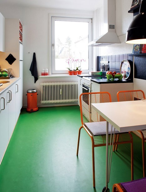 green kitchen floor 4 tips for painting hardwood floors 1409