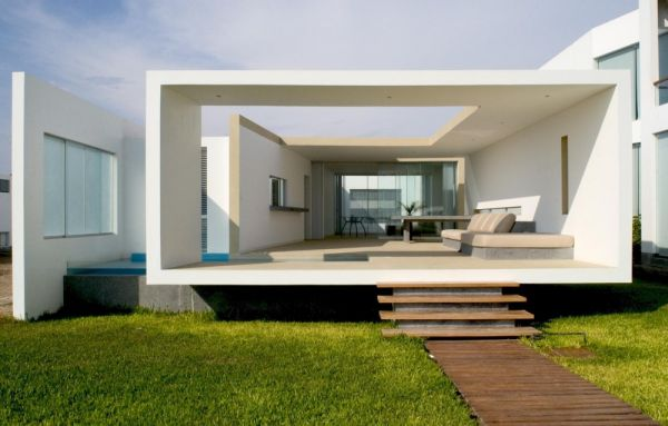 view in gallery - Contemporary Small Houses