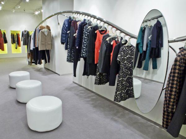 Marni shop interior design in barcelona for Clothing store interior design pictures