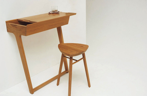 The Quello Desk-Table by Phil Proctor