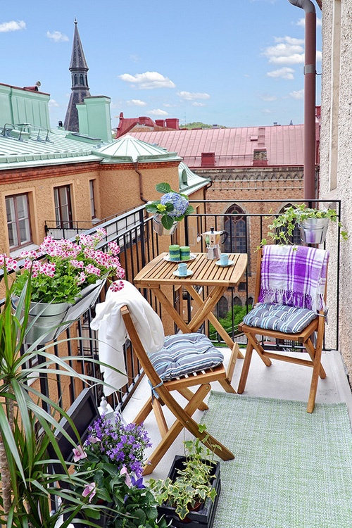 Superb How To Make Your Small Balcony More Relaxing