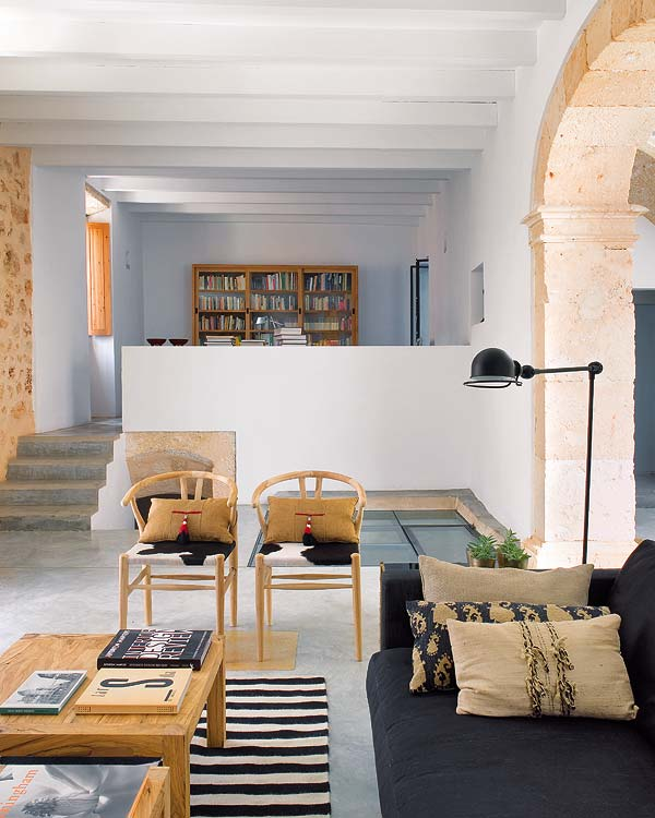 Contemporary Home Decor: An Architect's Home With A Modern Traditional Décor