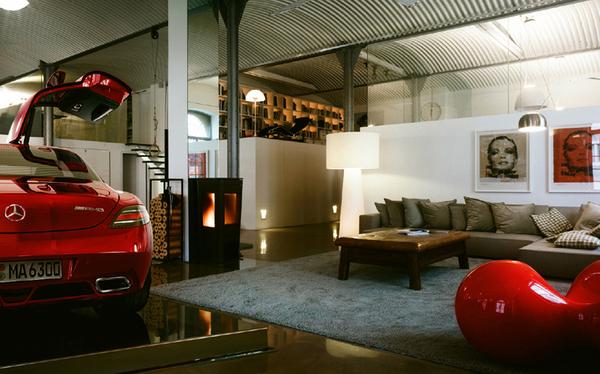 Three Car Garage With Apartment