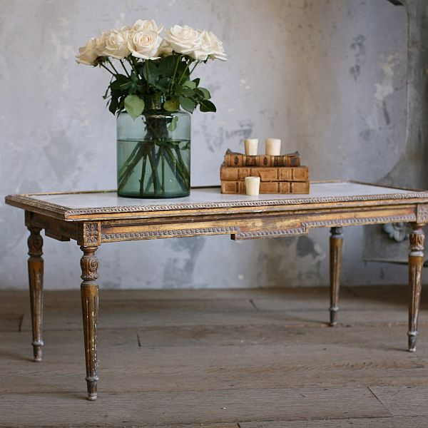 Antique louis xvi coffee table for Vintage coffee table
