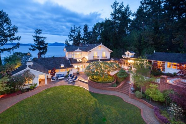 Victorian oceanfront estate in British Columbia