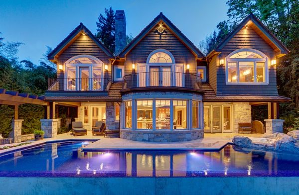 Beautiful waterfront property on mercer island Land and cabins