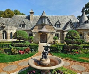1928 Luxurious Stone Residence in Winnetka