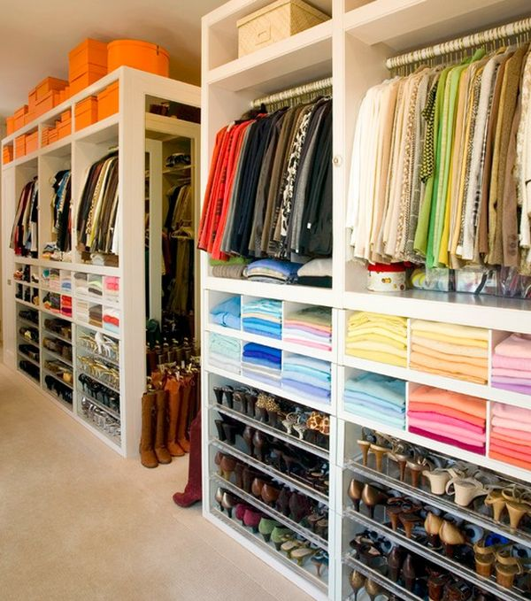 Color Coordinating Your Closet - 5 Ideas To Organize Your Closet