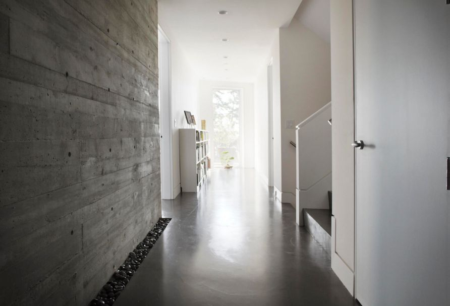 Merveilleux Concrete Walls Entryway