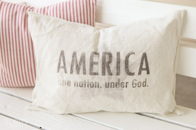 Patriotic pillow design