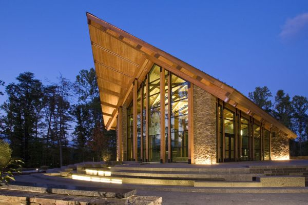 Modern Memorial Chapel In Virginia
