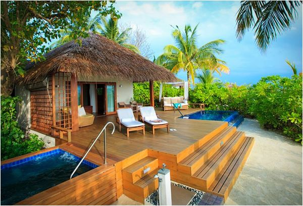 The peaceful baros maldives resort for Resort type house design