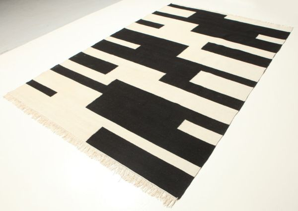 Black And Cream Hand Knotted/Woven Carpet
