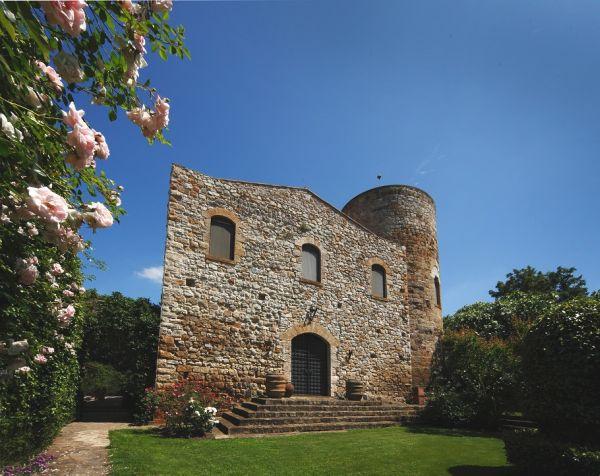 Castello di scerpena a luxury medieval castle in tuscany for Piani di casa castello medievale