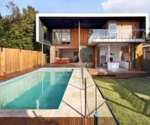 The contemporary and functional Castlecrag Residence in Australia