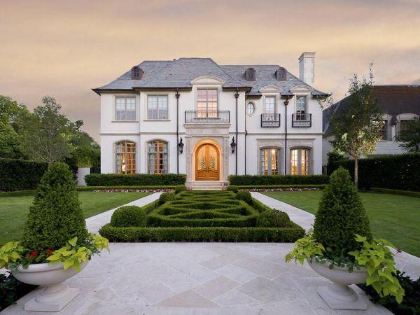 Luxurious custom residence in Dallas