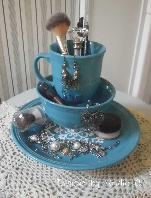 dinnerware makeup organizer