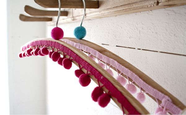 diy-colorful-hangers-for-kids6