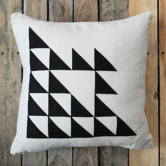diy-triangle-pillow5