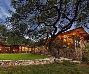 Exquisite 5-acre estate in Texas