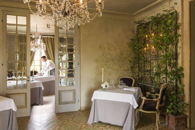 Borgo Santo Pietro hotel restaurant corner table