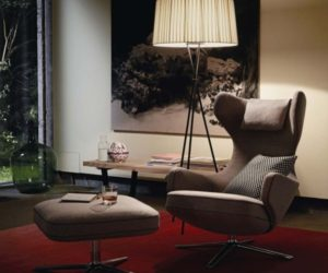 The highly-comfortable Grand Repos armchair