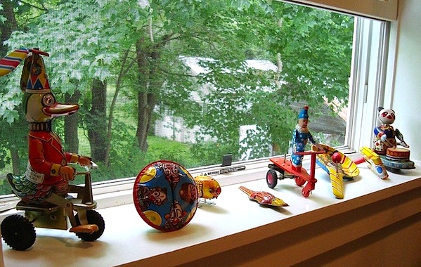 Decorate And Dress Your Window Sills