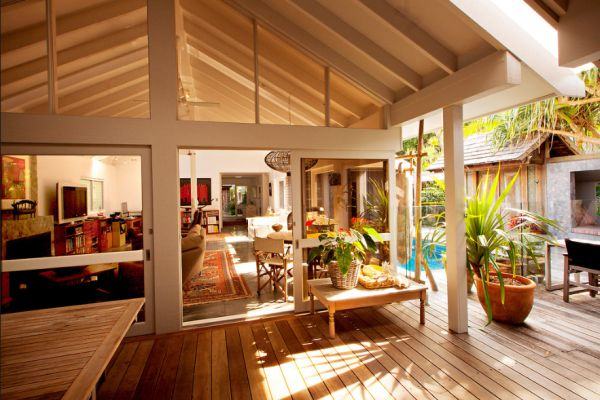 Three bedroom beach house in a rain forest for Beach house design tropical