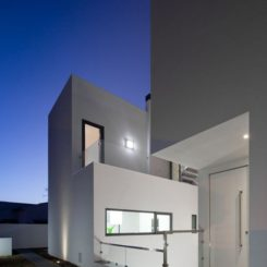 Attractive Minimalist Dj House In Portugal Amazing Pictures