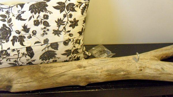 driftwood-keyholder1.jpg