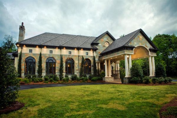 Exquisite European mansion in North Carolina