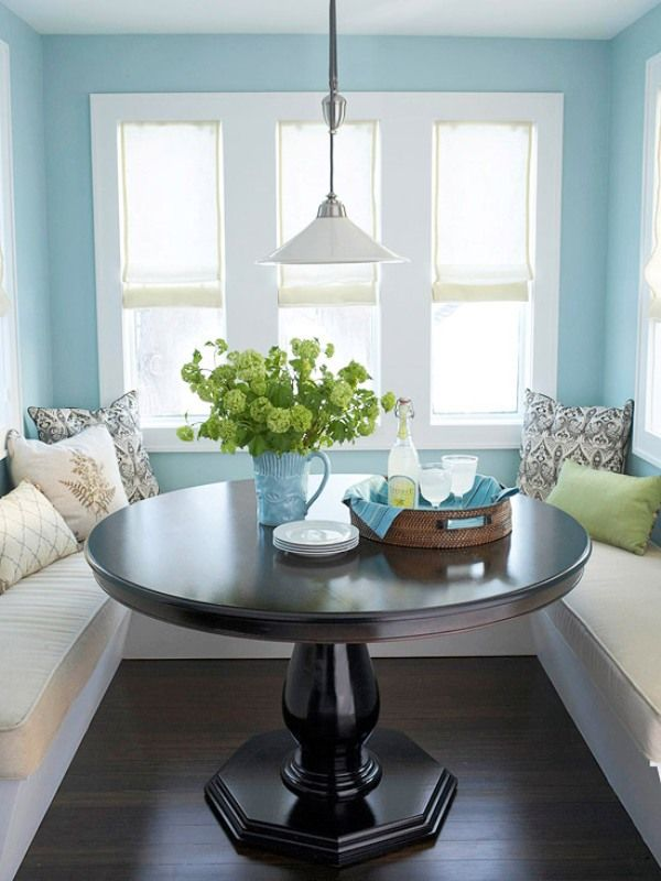 7 quick breakfast nook decorating tips