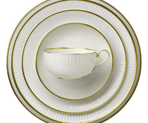 Orion Porcelain Plate Set