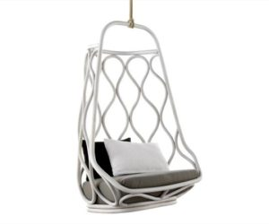 The Náutica hanging chair by Mut Design