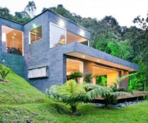 "The ""Lago en el Cielo"" single family house by David Ramirez"