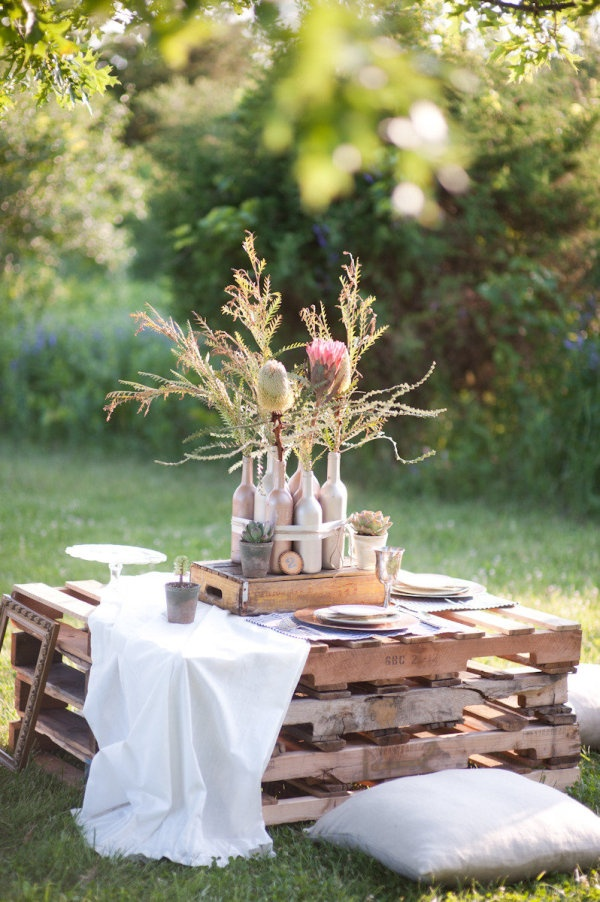 outdoor pallets table
