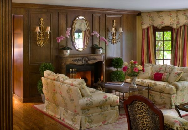10 traditional living room d cor ideas for Classic house design ideas