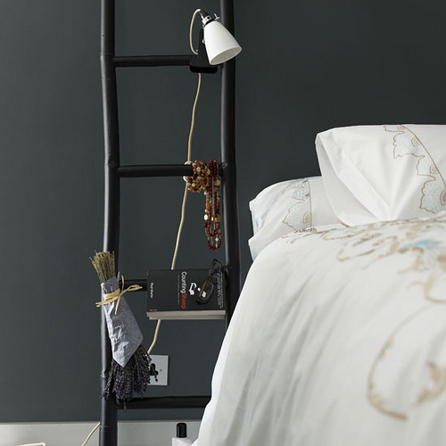 5 unusual bedside table replacers