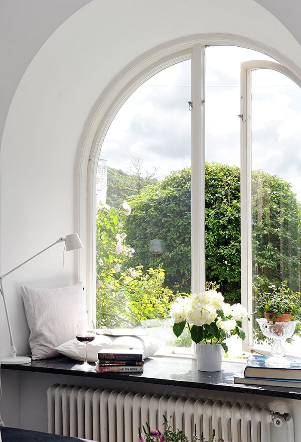 6 Ways To Decorate Dress Your Window Sills