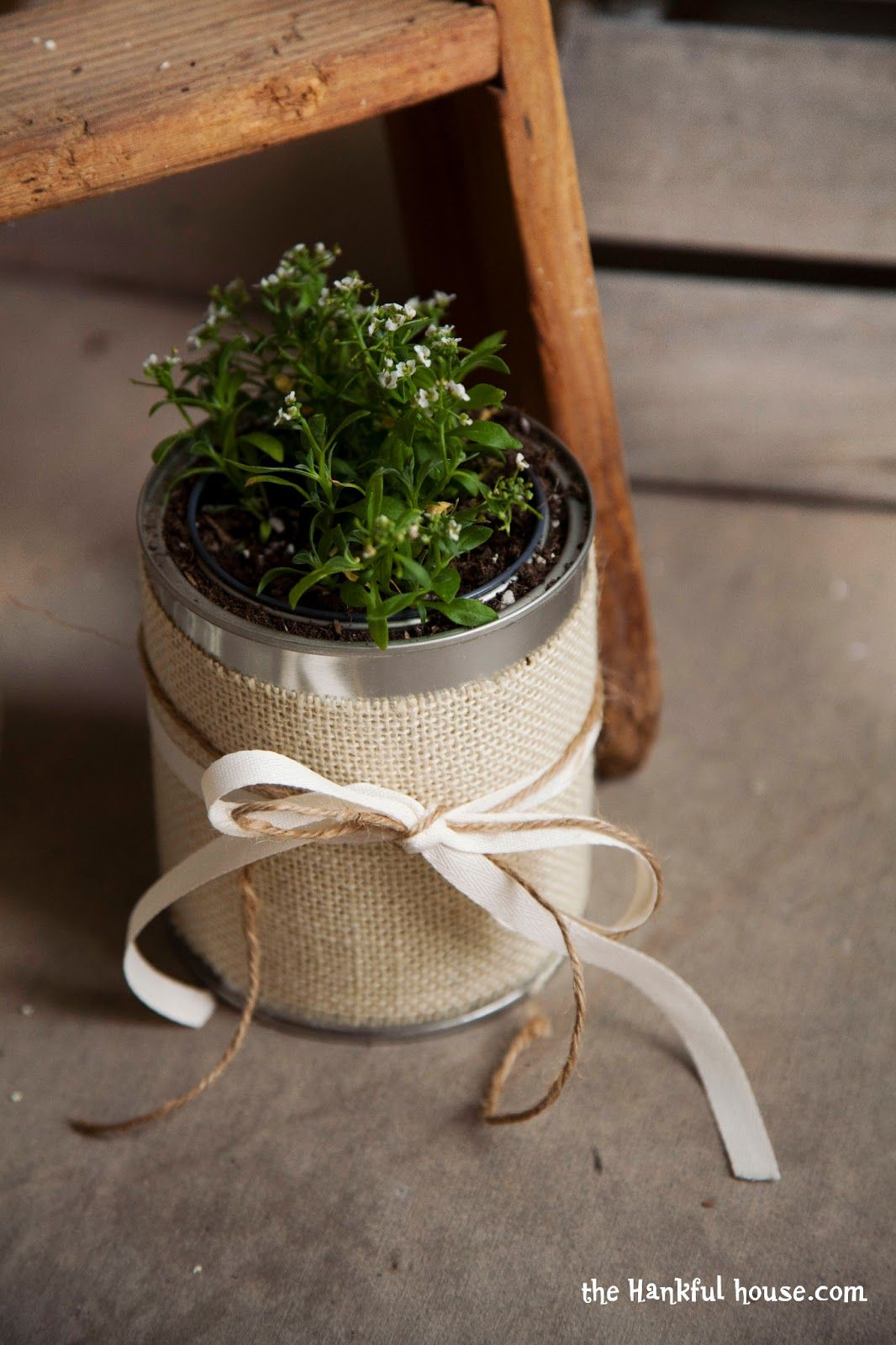 Using burlap ribbon