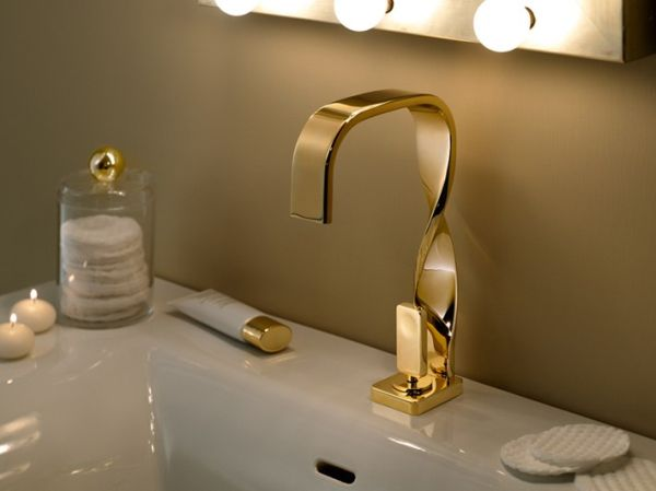 The graceful Nastro basin mixer by Peter Jamieson
