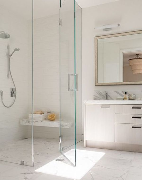 Charmant Glass Enclosed Shower.