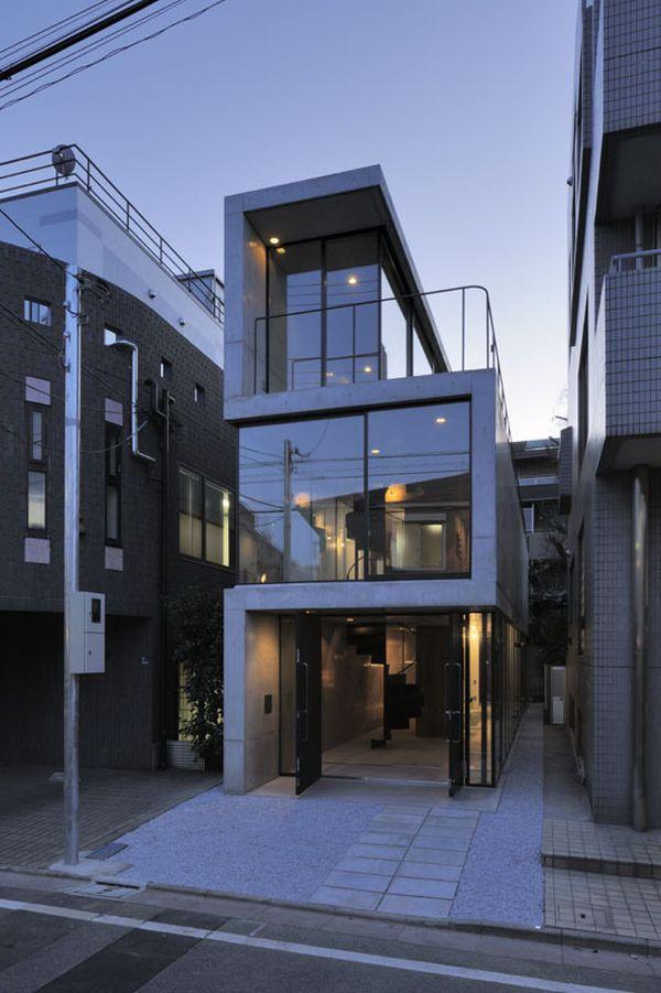 A long narrow residence in Tokyo Narrow House Designs In Japan on houses in tokyo japan, narrow house interior design, small apartment building in japan, micro houses in japan, tall skinny building in japan,