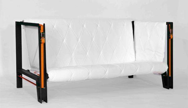 Minimalist outdoor sofa with straps by Kathi Hermann and Denise Hachinger