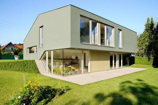 Prototype split level residence by andreas karl architecture for Split level project homes