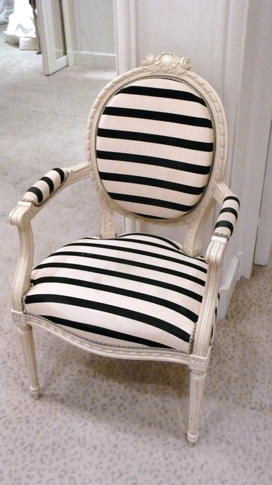 7 quick tips for using striped furniture for Blue and white dining chairs