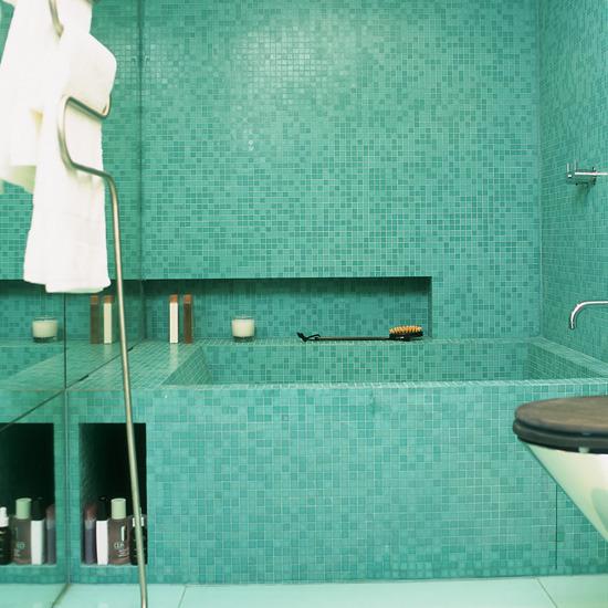 10 Amazing Bathroom Tiles - Delightful-art-on-tiles-by-okhyo